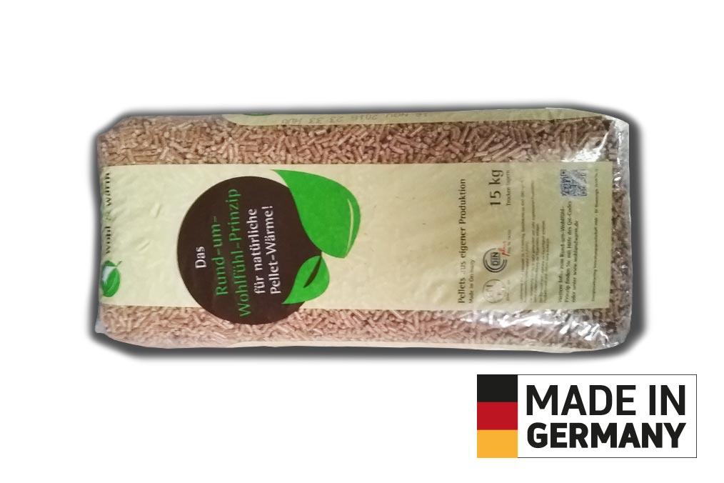 Holz pellets Sackware auf Palette - Wohl und Warm